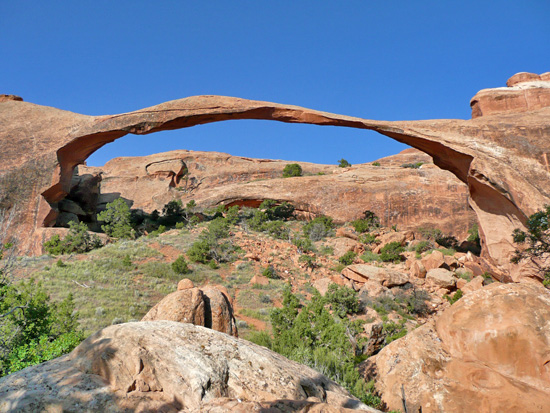 Landscape Arch, geologically one of the oldest in the Park (GPS: N38 47.414 W109 36.456)